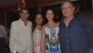 Alejandro Simón (CEO de la Compañía), Andrea Ginar, Natalí Márquez y Néstor Abatidaga (Presidente Sancor Seguros Uruguay).
