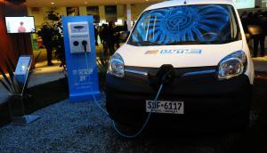 Beneficios: habrá 50% de descuento para quien cargue el auto eléctrico en su casa. Foto: Archivo