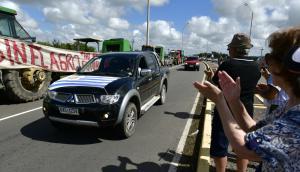 Se esperan miles de personas en Santa Bernardina, Durazno, y gran cantidad de vehículos en la ruta 5. Foto: Fernando Ponzetto