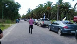 Concentración de productores de San José en ruta 11 y 3. Foto: Esteban Triay