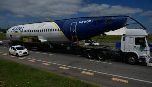 El avión de Pluna camino a Punta del Este. Foto: Fernando Ponzetto