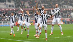 """La celebración de la """"Juve"""" tras la victoria en el clásico turinés"""