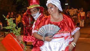 Vestimenta: un desfile a puro colorido y maquillaje. Foto: V. Rodríguez