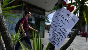 Vecinos de La Blanqueada dejaron flores en memoria de Florencia Cabrera. Foto: F. Ponzetto