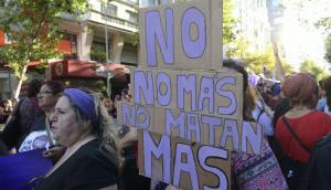 Reivindicaciones de las mujeres durante la marcha en el Día de la Mujer. Foto: El País
