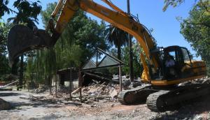 La IMM terminó ayer de demoler el clásico local cedido al boliche Azabache. Foto: F. Flores