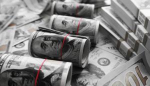montaña de dinero, fortuna, riqueza