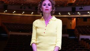 Ágatha Ruiz de la Prada sobre el Ballet Nacional del Sodre.  Foto: Darwin Borrelli