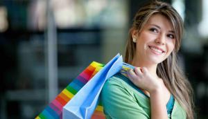 De compras. El recorrido por los shopping gana en metraje y variedad de marcas.