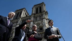Frank Riester, ministro de Cultura de Francia, realizó una visita a la catedral de Notre Dame este miércoles. Foto: Reuters