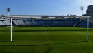Una postal del campo de juego del Estadio Centenario