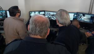 El ministro Jorge Larrañaga en el Centro de Comando Unificado. Foto: Twitter Ministerio del Interior.