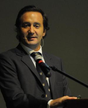 Munyo: presentación anoche en la asamblea de exalumnos del IEEM. Foto: L. Carreño