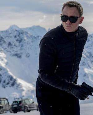 James Bond vuelve en su versión rubia con Daniel Craig.