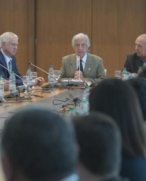 Vázquez encabezó ayer una conferencia en la que destacó la importancia de la lucha contra las Enfermedades No Transmisibles (ENT). Foto: F. Flores