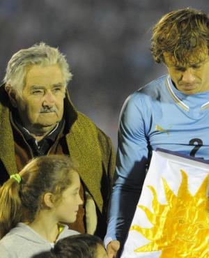 José Mujica en la despedida de la selección uruguaya en 2014. Foto: Archivo El País.