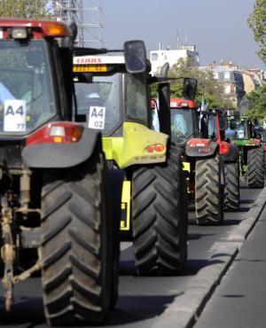 Se vienen realizando movilizaciones zonales en la cuenta regresiva a la reunión del 23 en Durazno. Foto: AFP