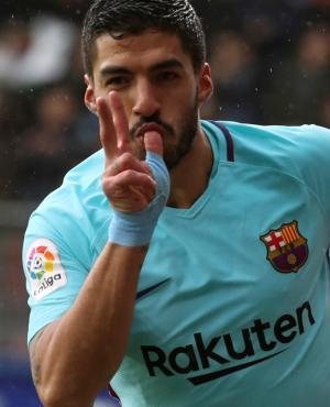 Luis Suárez celebrando un gol con la camiseta del Barcelona. Foto: EFE.