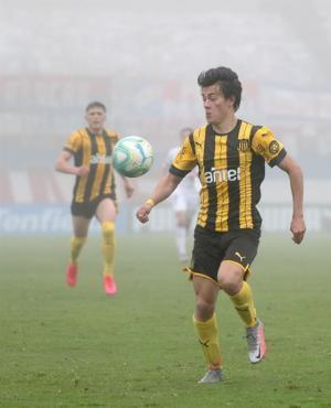 Pellistri, destacado en Peñarol durante el clásico.