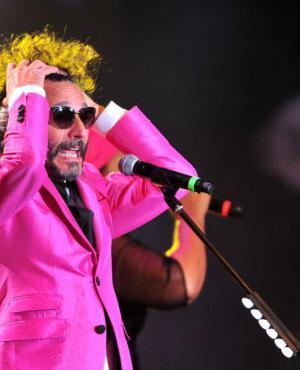Memorable: Fito Páez y su banda dieron un show impecable con gran trabajo en la iluminación.