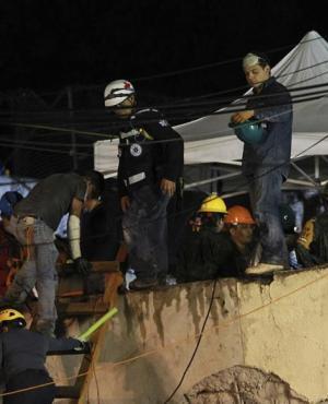 """Rescatistas dicen están """"muy cerca"""" de Frida. Foto: EFE"""