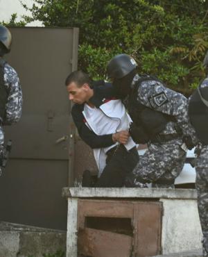 """El """"Pato Feo"""" ingresa al juzgado de Toledo. Foto: Ariel Colmegna."""