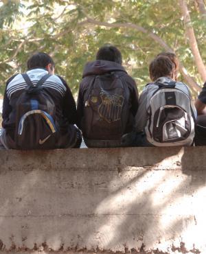 Docentes del liceo Rodó trabajan en proyecto de diversidad cultural y paz. Foto. F. Ponzetto