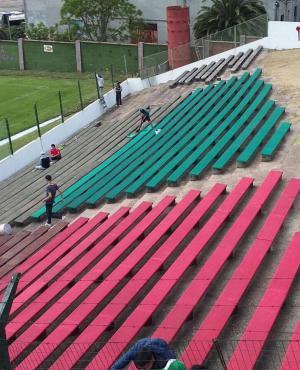 Obras. Rampla arregló los alambrados y pintó su estadio.