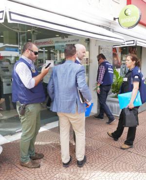 Fiscal y abogados se trasladaron a otra sucursal. Foto: Ricardo Figueredo