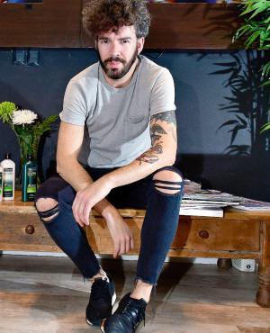 Prima lo descontracturado, un look suelto y natural. Es importante además que cada peinado se adecue a la personalidad y al estilo de vida del cliente, precisó Diego Alfonso.