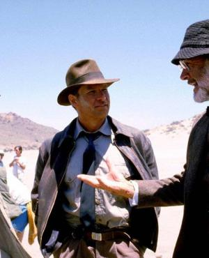 "Steven Spielberg, Sean Connery y Harrison Ford en el set de ""Indiana Jones y la última cruzada"""