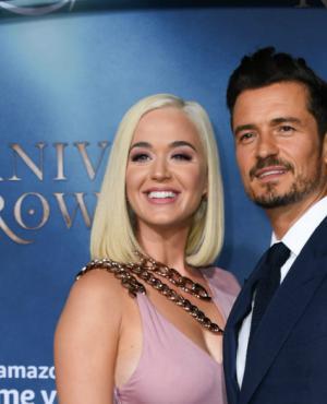 Orlando Bloom fue acompañado por Katy Perry a la premiere de su nueva serie: Carnival Row que emite Amazon