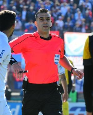 Christian Ferreyra en el duelo entre Nacional y Peñarol. Foto: Leonardo Mainé.