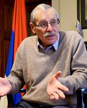 Ricardo Ehrlich, coordinador del Frente Amplio, en entrevista con El País. Foto: Estefanía Leal
