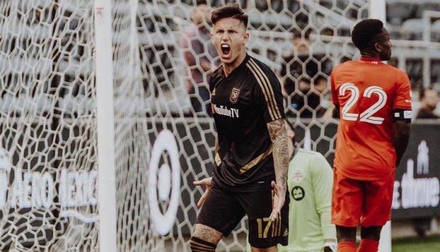 Brian Rodríguez celebra el gol anotado frente a Toronto. Foto: @LAFC.