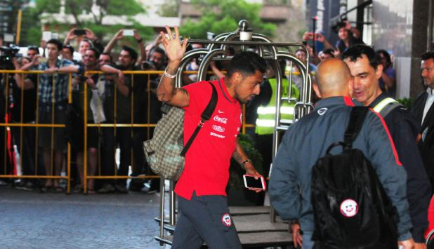 Gonzalo Jara ingresando al hotel. Foto: F. Ponzetto