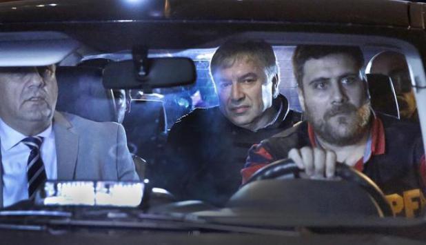 Lázaro Báez es trasladado por la Policía. Foto: La Nación / GDA.