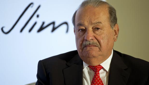 desde 2011, Slim introdujo sus productos dentro de la cadena de tiendas departamentales Sears en México y Centroamérica.