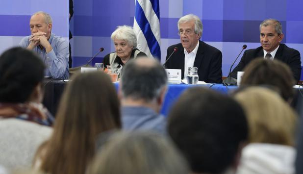 El presidente Vázquez encabezó ayer una nueva sesión abierta del Consejo de Ministros. Foto: D. Borrelli