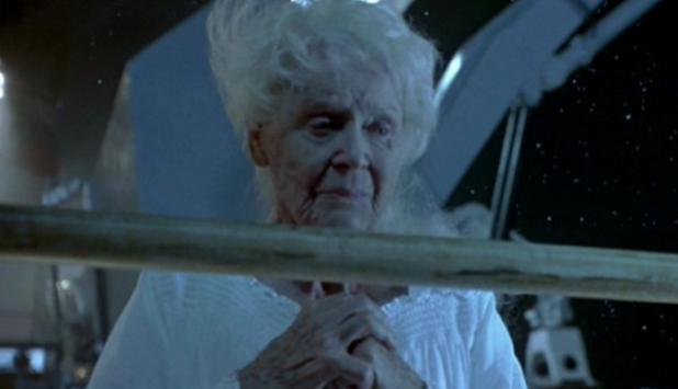 Gloria Stuart como Kate en Titanic. Foto: difusión