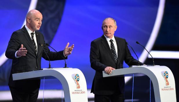 El discurso de los presidentes: Infantino, de FIFA, y Putin, de Rusia. Foto: AFP