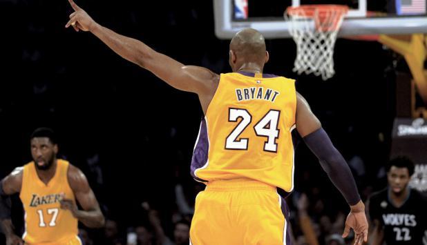 Kobe Bryant con la 24