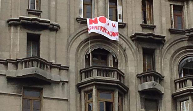 Denuncian gentrificación en el Palacio Salvo. Foto: Gabriel Rodríguez