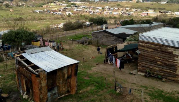 Desde hoy, Techo compartirá información sobre la situación de los asentamientos en Uruguay. Foto: Techo