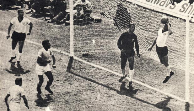 La mano de Schellinger. Foto: Archivo El País.