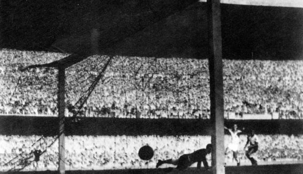Gol de Brasil en el Mundial de 1950. Foto: Archivo El País.