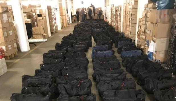 4500 kilos de cocaína incautada en un contenedor que provenía de Uruguay en el puerto de Hamburgo. Foto: Policía alemana