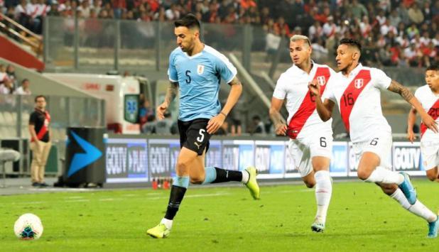 Matías Vecino - Uruguay vs. Perú. Foto: @Uruguay