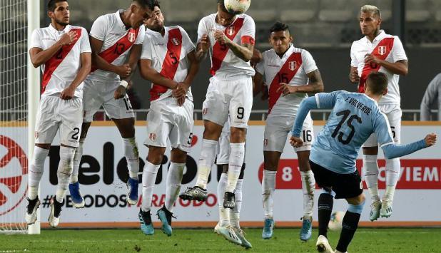 Federico Valverde - Uruguay vs. Perú. Foto: AFP
