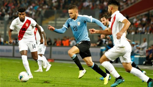 Jonathan Rodríguez - Uruguay vs. Perú. Foto: @Uruguay